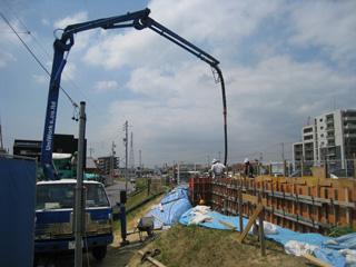 「平子山の家」高基礎コンクリート打ち_b0179213_20564320.jpg