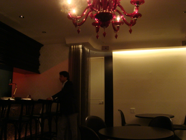 白金「Scene Platine セーヌ・プラティーヌ」へ行く。_f0232060_0585988.jpg