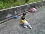 ひよこぐみ ボールで遊びました!_c0151262_18163365.jpg
