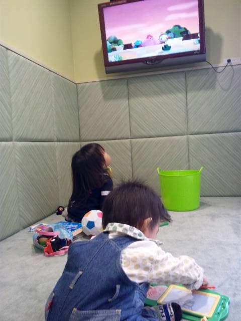 【ラペあやめ池店】チャイルドルームでお子様が楽しそうに遊んでいました。_c0080367_11282656.jpg