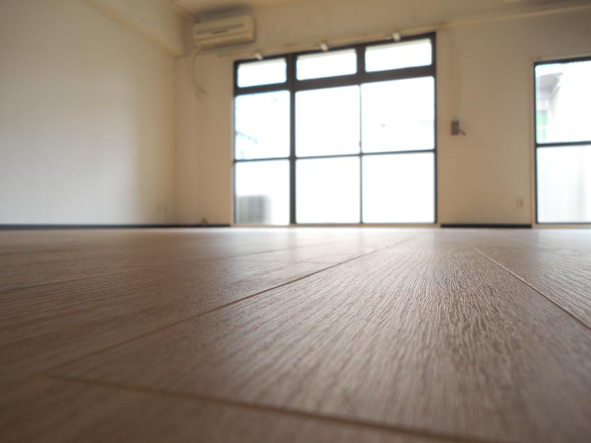 床貼り_f0077493_8403467.jpg