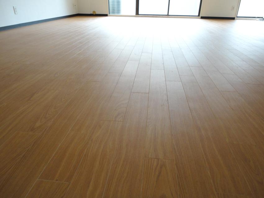 床貼り_f0077493_84087.jpg