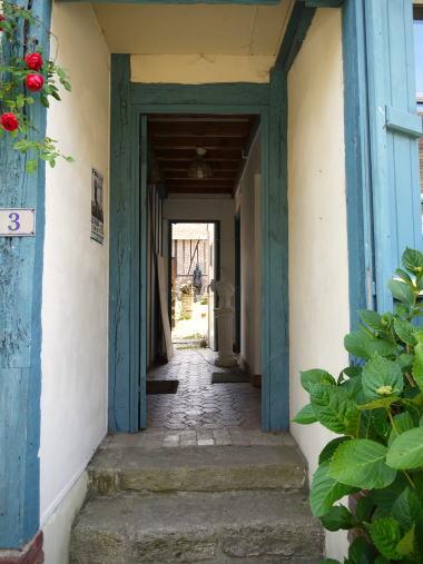 美しいバラの村「Gerberoy」 その2_c0090198_3233223.jpg