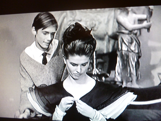 LA  DOLCE VITA  (甘い生活)・・・60年代セレブのlittle  black dress_b0210699_0224017.jpg