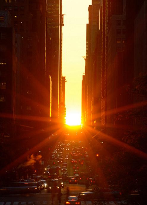 ニューヨークで夕日が特別に美しく見える日、マンハッタンヘンジ(Manhattanhenge)とは?_b0007805_1004095.jpg