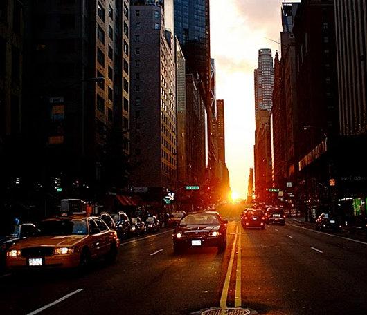 ニューヨークで夕日が特別に美しく見える日、マンハッタンヘンジ(Manhattanhenge)とは?_b0007805_10525730.jpg