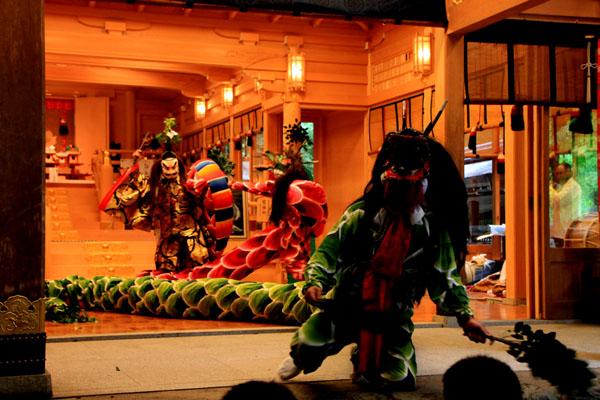 貴船神社 貴船祭りの神楽2_e0048413_2002943.jpg