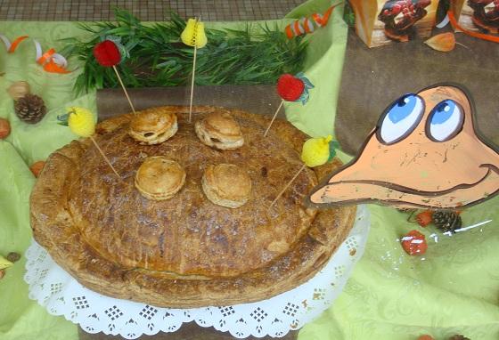 Chocarts d'Yffiniac ;ショカーと言う名前のアップルパイを食べに…_b0189215_1564315.jpg