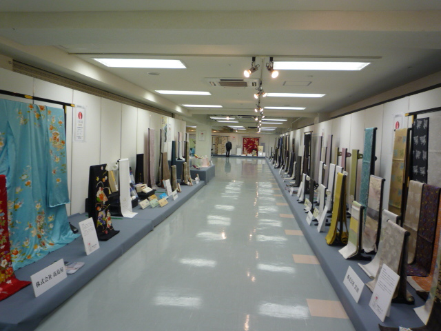 純国産絹製品展・美智子皇后のご養蚕。_f0181251_19194064.jpg