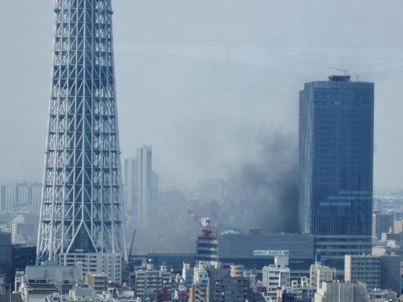 東京スカイツリーイーストタワー・ボヤ騒ぎ_b0083801_21262265.jpg