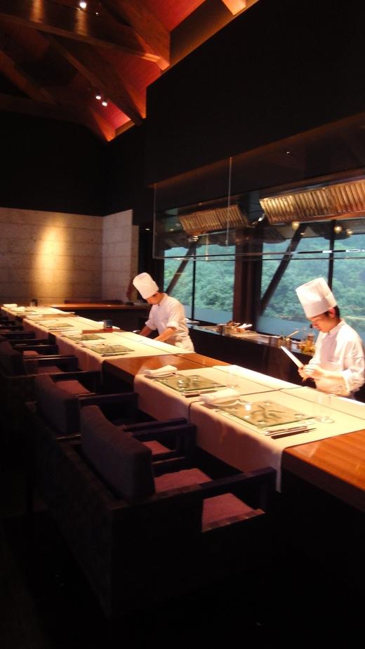 サンカラ ホテル&スパ 屋久島 (3) レストラン編 1日目_f0215324_2395780.jpg