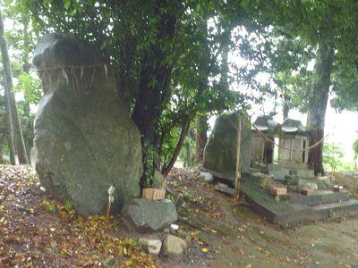 竈門神社(玉母宮)竹内宿禰の母・山下影姫の墓所だった_c0222861_9323573.jpg