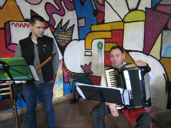 リトアニアの旅3: 伴奏楽器も現場で知り_c0129545_12504985.jpg