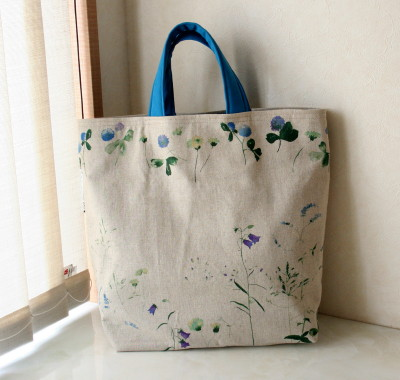 ブルーの花もようのバッグ_a0102486_11305658.jpg