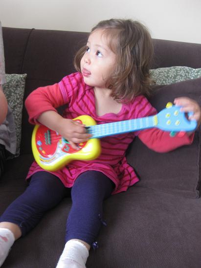ギター!_b0167736_4192461.jpg