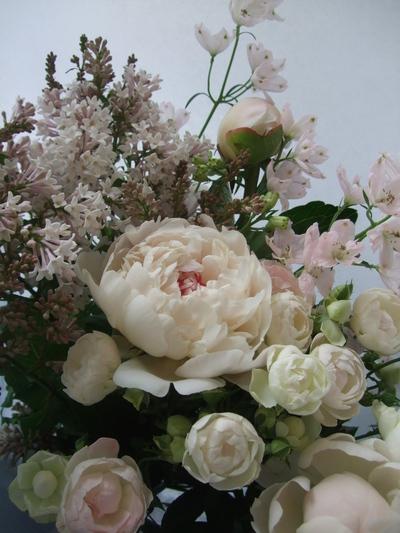 オークリーフ(ライラックと季節の花の花束)_f0049672_16543786.jpg