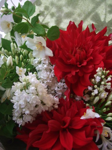 オークリーフ(ライラックと季節の花の花束)_f0049672_1656448.jpg