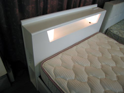 またまたベッドのご紹介です_d0156886_15405417.jpg