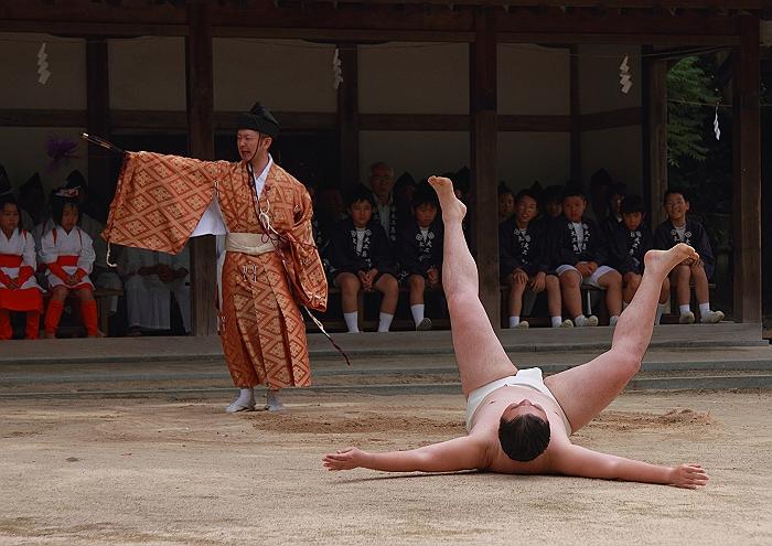 大三島大山祇神社 一人相撲_a0140608_8412331.jpg