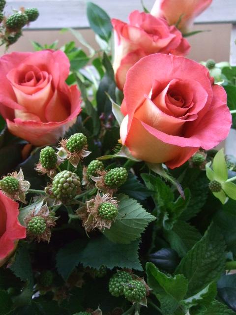オークリーフ(一花とグリーンミックスのアレンジメント)_f0049672_17231128.jpg