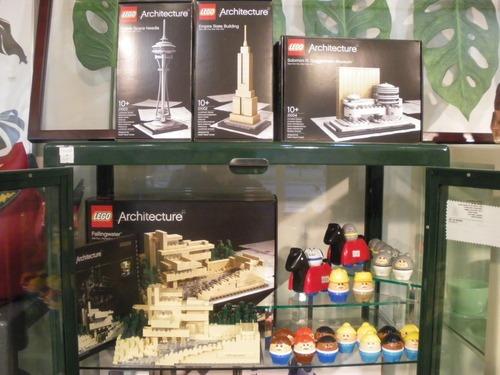 海外のみで販売されていた大人のための「LEGO(R) Architecture」が遂に日本でも!!_b0125570_10255889.jpg