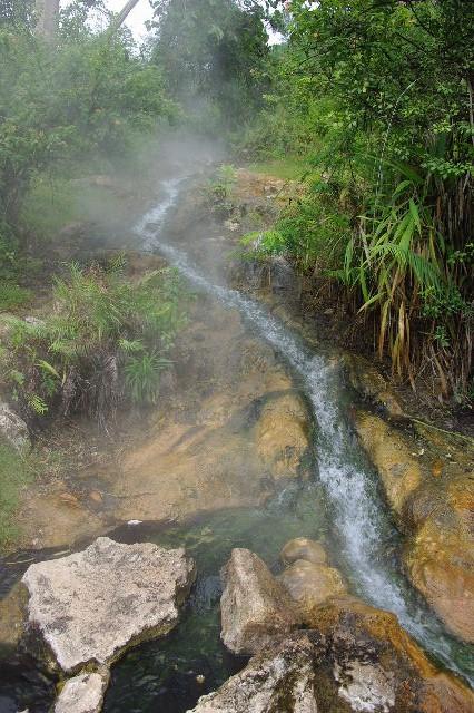 エチオピア(81) ウォンドゲネット温泉の源泉_c0011649_0183260.jpg