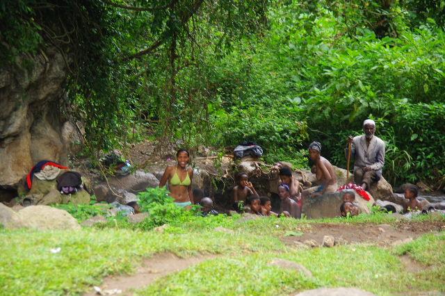 エチオピア(82) 地元の人々の朝の温泉浴風景_c0011649_122724.jpg