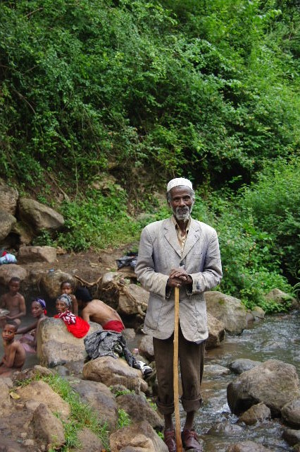 エチオピア(82) 地元の人々の朝の温泉浴風景_c0011649_1302567.jpg