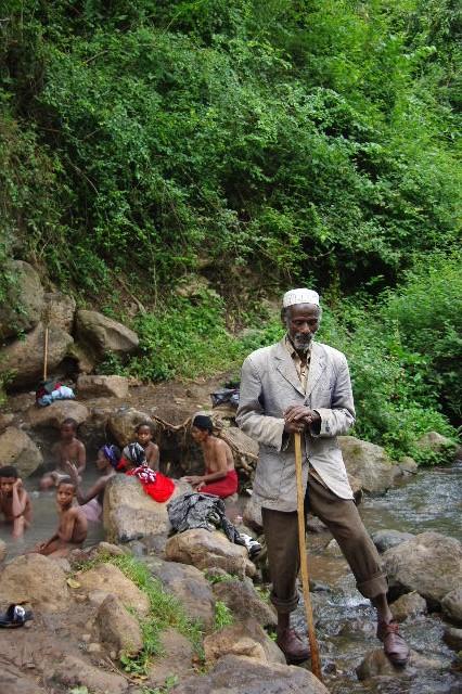 エチオピア(82) 地元の人々の朝の温泉浴風景_c0011649_1334842.jpg