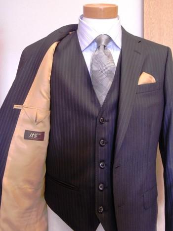 """「鉄っぽいスーツがいいな!」 ~""""結婚式にお呼ばれ""""でも~  ~""""ビジネスの舞台""""でも~ 編 _c0177259_252792.jpg"""