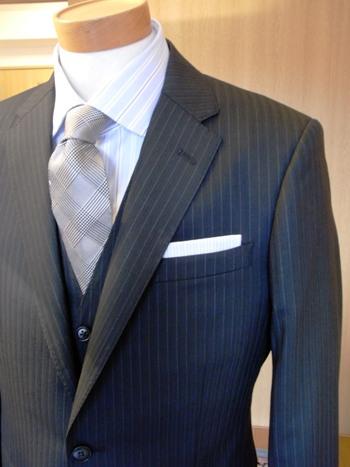 """「鉄っぽいスーツがいいな!」 ~""""結婚式にお呼ばれ""""でも~  ~""""ビジネスの舞台""""でも~ 編 _c0177259_2572518.jpg"""