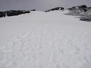 富士宮ルートから富士山、オカマ滑降_e0064783_4504215.jpg