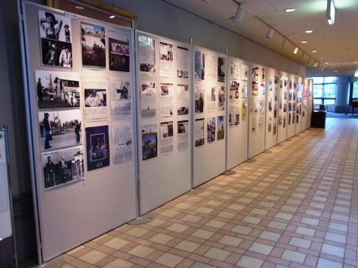 2011年6月10日(金):「懐かしの映画看板・ロケ風景写真展」スタート_e0062415_19302570.jpg