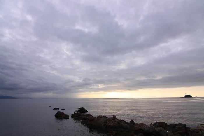 梅雨空のムコウ・・・_a0122544_2022319.jpg