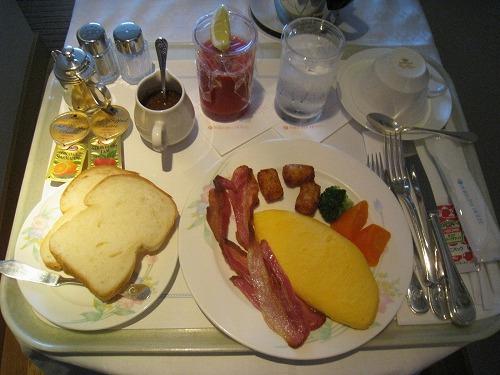 4月 神戸ポートピアホテル ルームサービス朝食とサウナとラウンジ朝食と・・・_a0055835_1520453.jpg