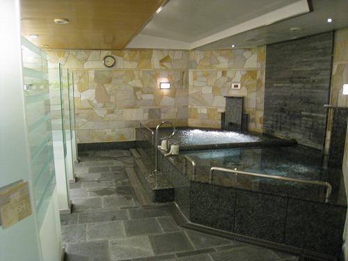 4月 神戸ポートピアホテル ルームサービス朝食とサウナとラウンジ朝食と・・・_a0055835_15251031.jpg