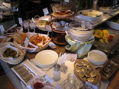 4月 神戸ポートピアホテル ルームサービス朝食とサウナとラウンジ朝食と・・・_a0055835_15363773.jpg