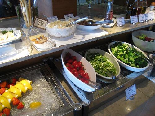 4月 神戸ポートピアホテル ルームサービス朝食とサウナとラウンジ朝食と・・・_a0055835_15365424.jpg