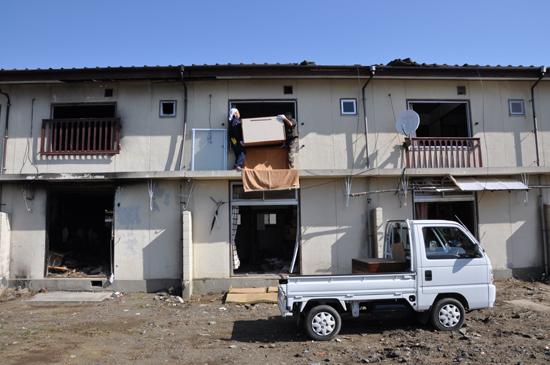 家を失った60歳の漁師さんのお話_e0171573_15555359.jpg