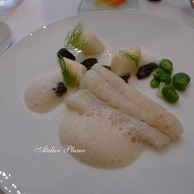 パリの2つ星レストランでスガハラガラスのシュー_e0154202_1232423.jpg