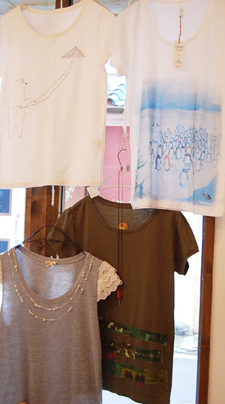 cocoa T-shirts exhibition 2011 本日最終日、ありがとうございました!_a0043747_1953586.jpg
