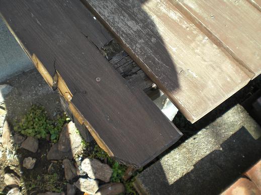 小工事 ~ ぬれ縁の取替え1_d0165368_4491415.jpg