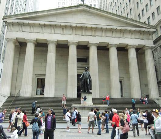 ニューヨーク、ウォールストリート周辺の歴史のある街並み_b0007805_2311955.jpg