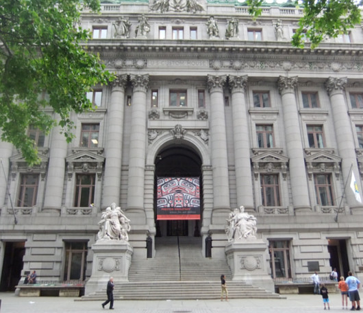 ニューヨーク、ウォールストリート周辺の歴史のある街並み_b0007805_23224536.jpg