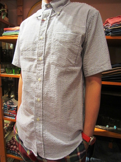 "雨の日の。。。 & ""SERO SEER SUCKER B/D SHIRTS\"" 入荷!_f0191324_9343490.jpg"