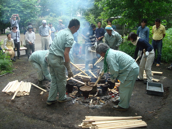 土器焼き: firing replicated pottery_a0186568_0594964.jpg