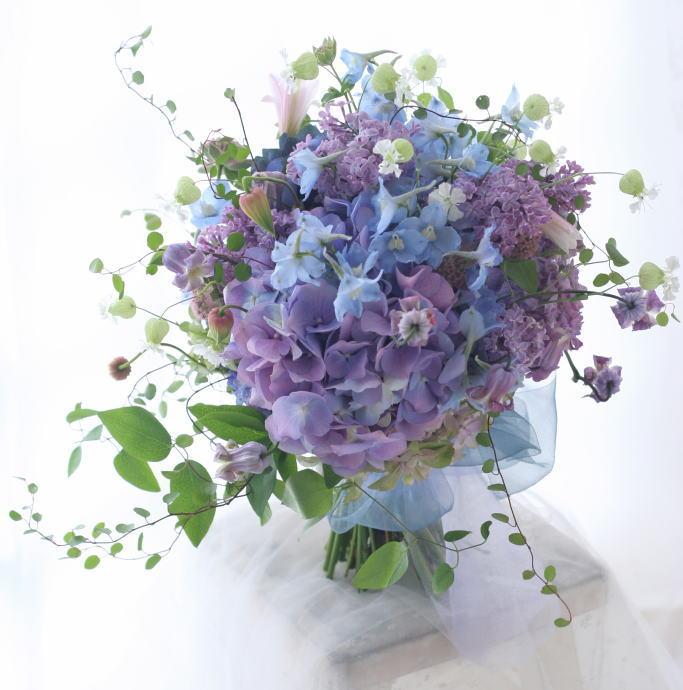 6月 アジサイのブーケとリストレットとバックコサージュ 優しいまなざしを 横浜国際ホテル様へ_a0042928_18185085.jpg