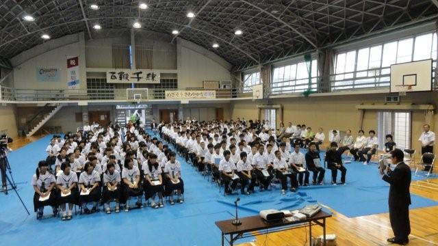 Lecture in the gym in a public school_c0157558_220993.jpg