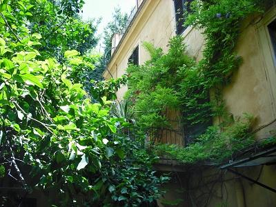 ローマ・マルグッタ通り(1)~情緒あふれる静かな通り_a0172661_848388.jpg