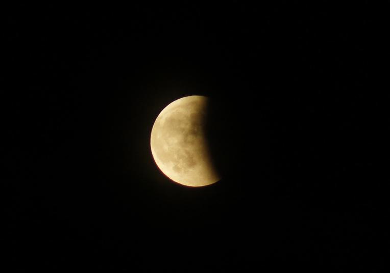 皆既月食。_c0180686_1822328.jpg